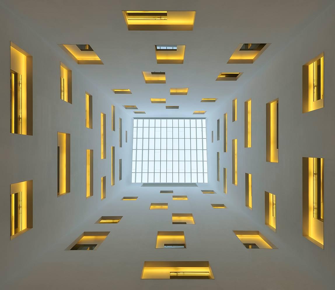 Corte interna, un gioco di luce